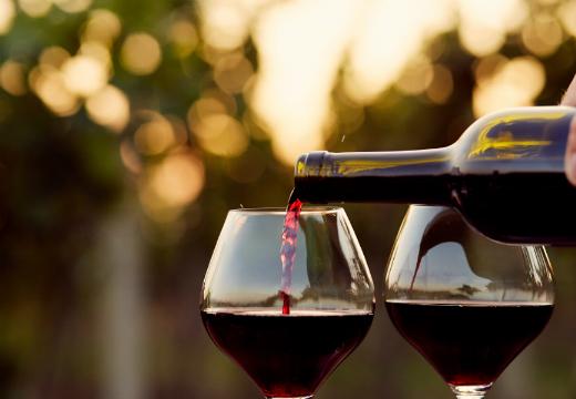Temos vinho, graças a Deus!